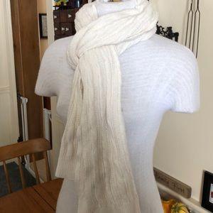 American Eagle cream winter scarf